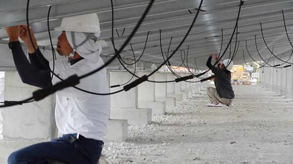配線連結-沖縄メガソーラー「登川発電所」-